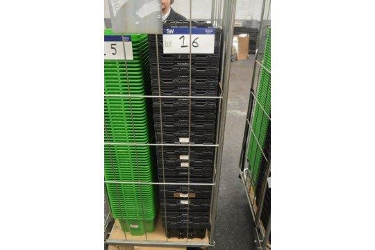 24 Stapelbehälter aus Kunststoff