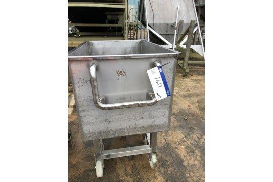 Mobiler Edelstahlbehälter / -tank mit Bodenauslass