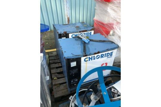 Zwei Chlorid-Ladegeräte laden kostenlos - £ 20, Artikel l