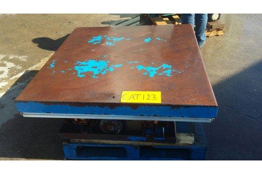 Edmo Low Profile Scherenbühne, mit 2000 kg Kappe und