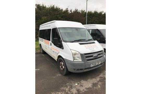 Ford Transit 15 Sitzer Minibus, Kennzeichen PV08 CBY, Kilometerstand 105.418 km (zum Zeitpunkt von