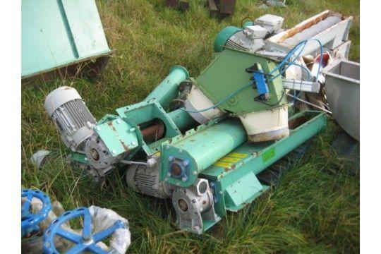 Taurus 120 mm Durchmesser x 1,1 m langer U-förmiger Schraubenkonvektor
