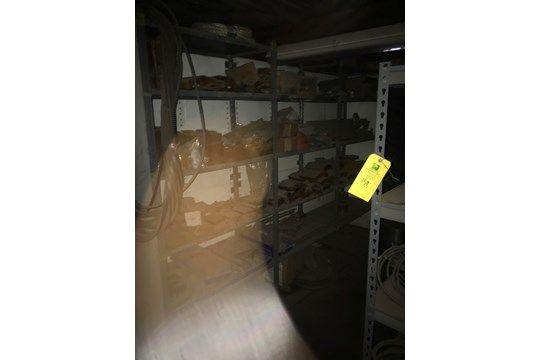 Ersatzteil-Raum für Generator, inklusive Riemen, Flexitallies, Durchsteckschlüssel
