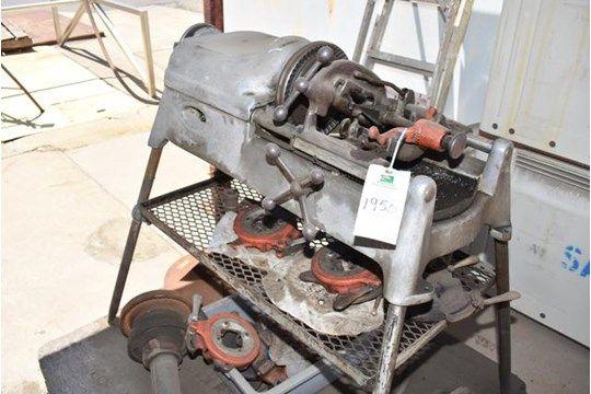 Ridgid Modell # 535 Rohreinfädelmaschine, verschiedene Schneidköpfe, Werkzeug, Schraubstock, RIGGING