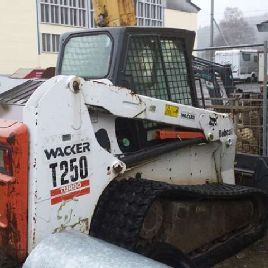 Skid Steer Loaders BOBCAT T250 used