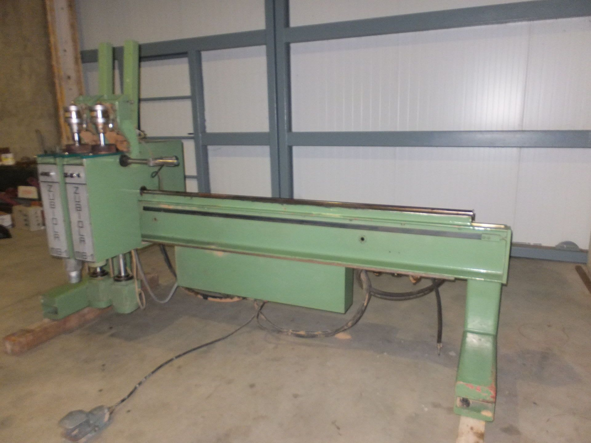 ZUBIOLA MB 1 Scharnier-Bohr- und Eintreibmaschine