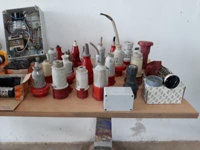 Viele elektrische Geräte