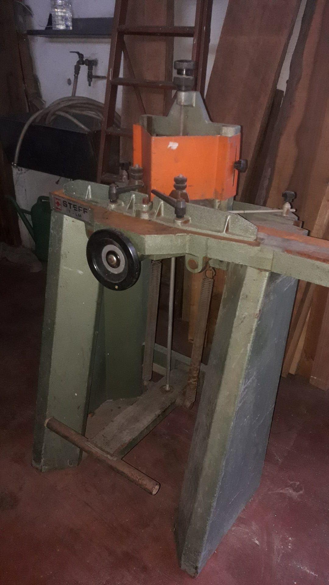 STEFF T - LM Rahmenschneidemaschine