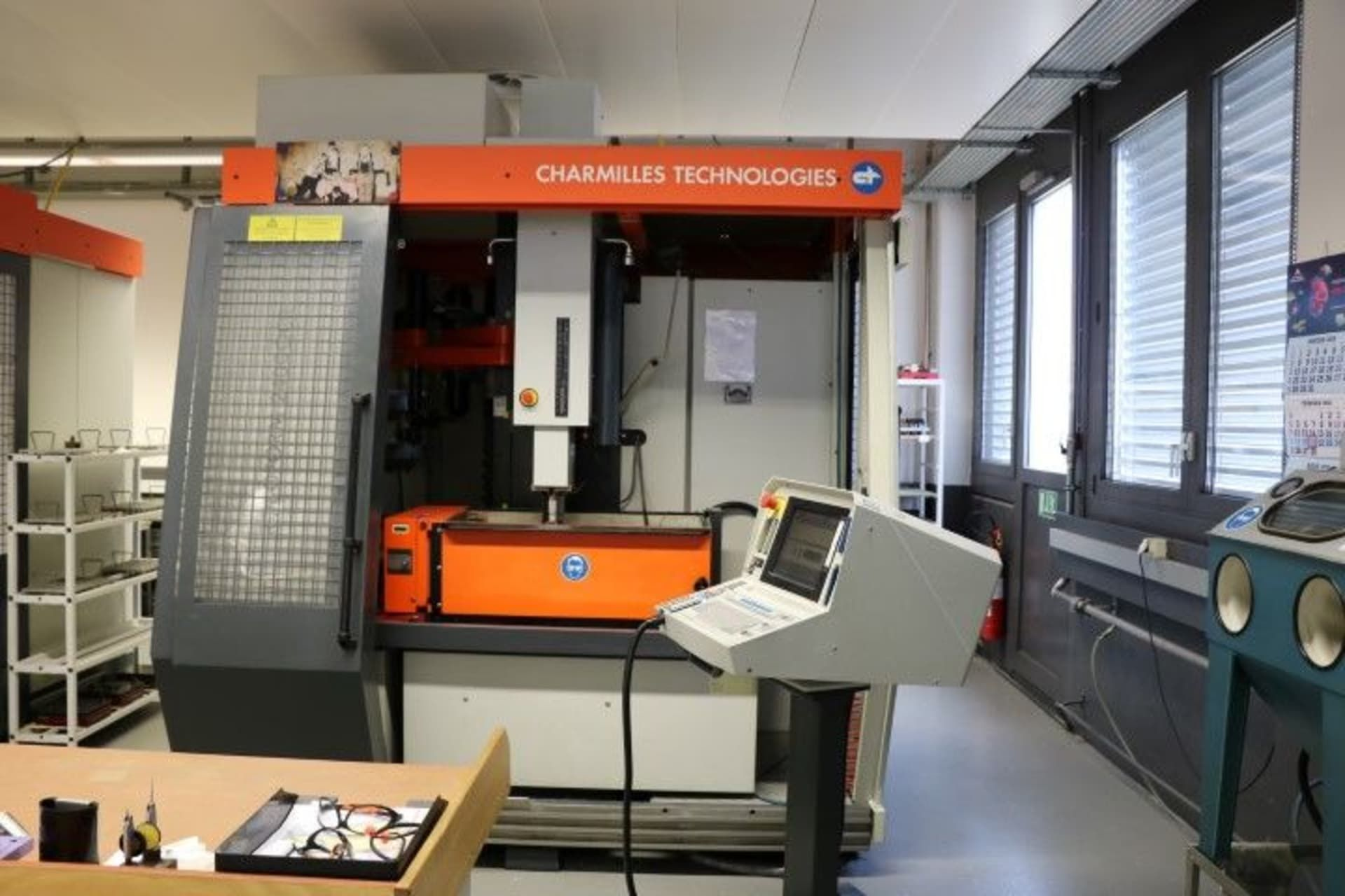 CHARMILLES ROBOFORM 2400 Senkerodiermaschine