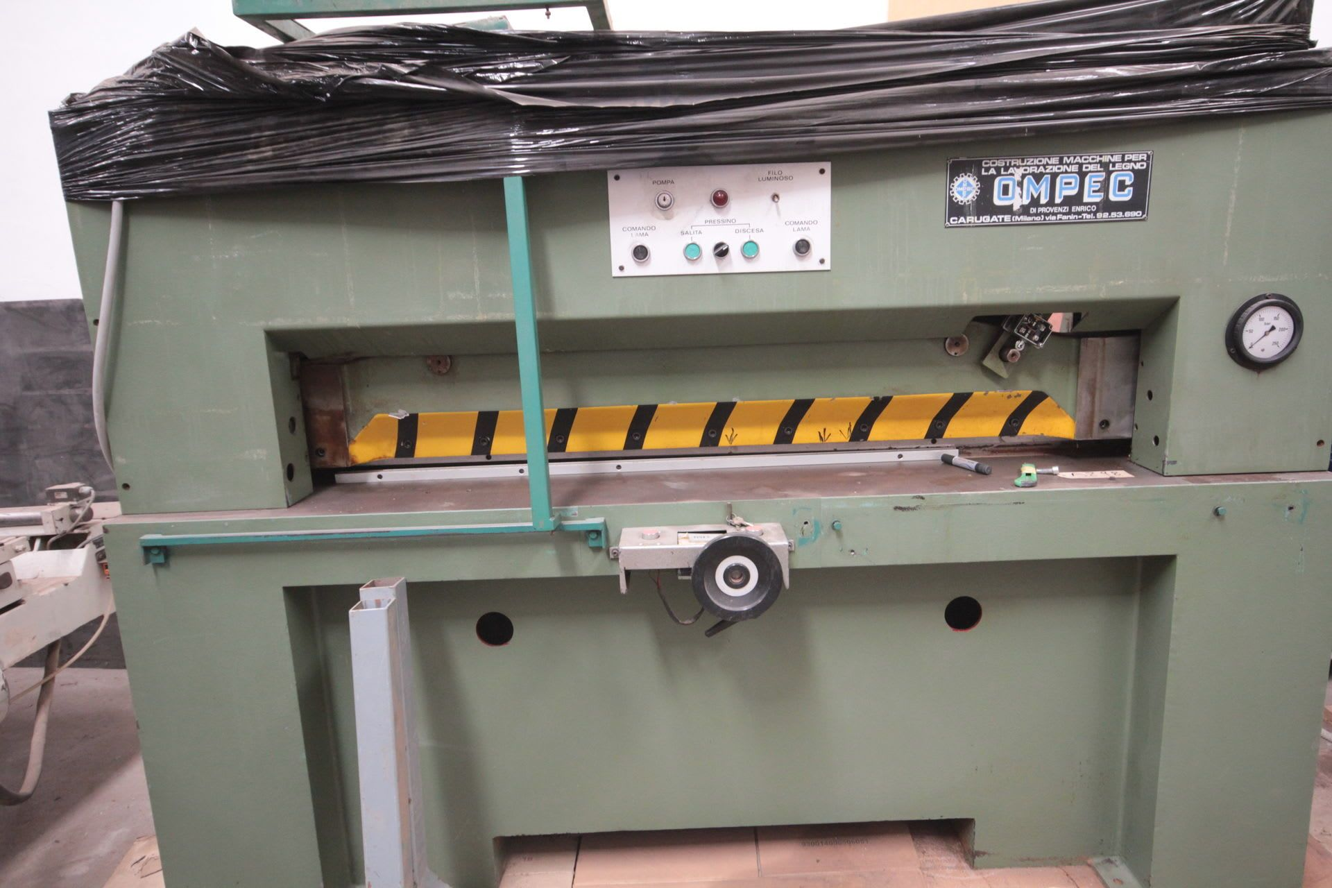 OMPEC Furnierschneidemaschine