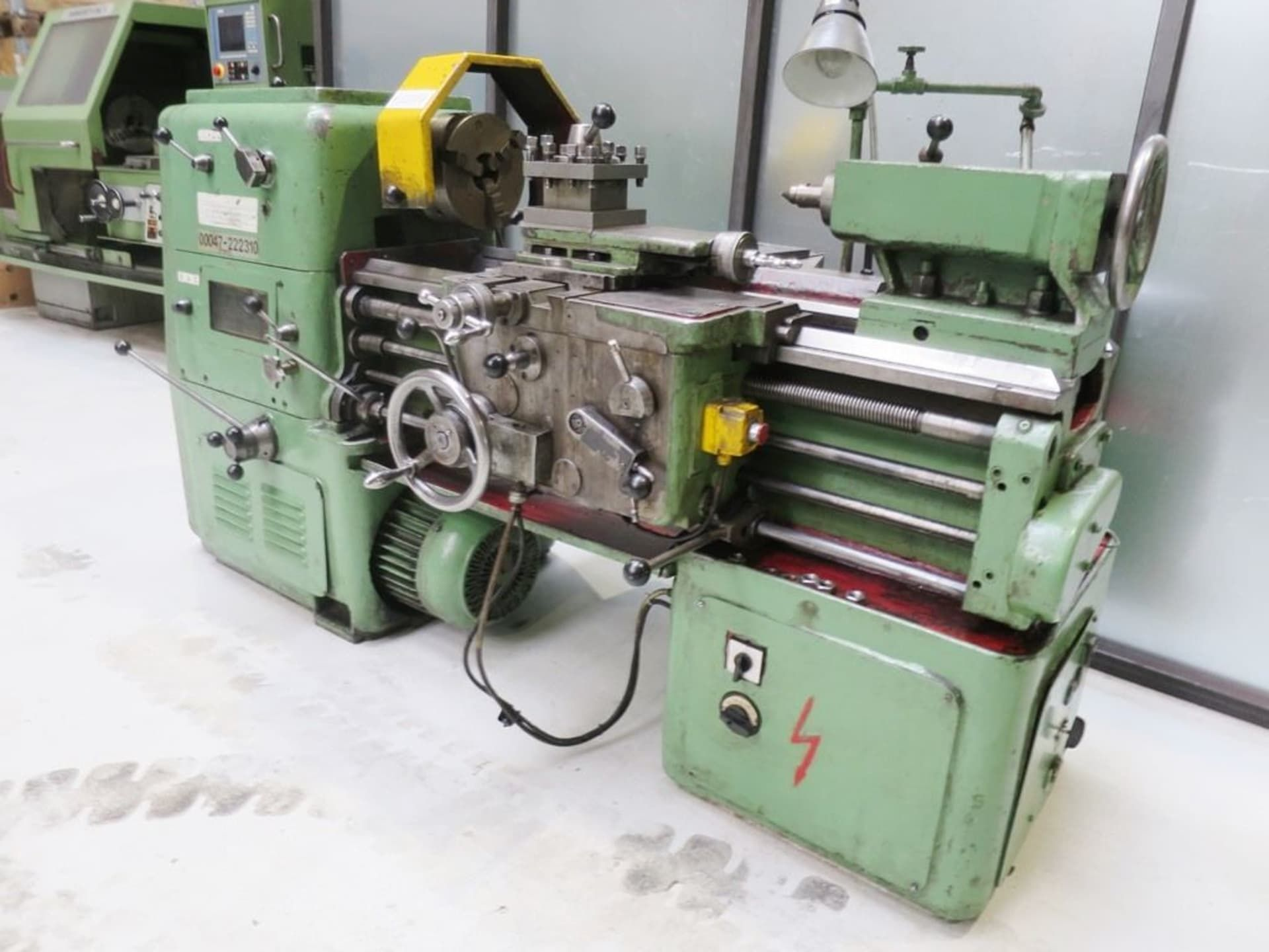 POREBA TUC 400 x 800 Leit- und Zugspindeldrehmaschine