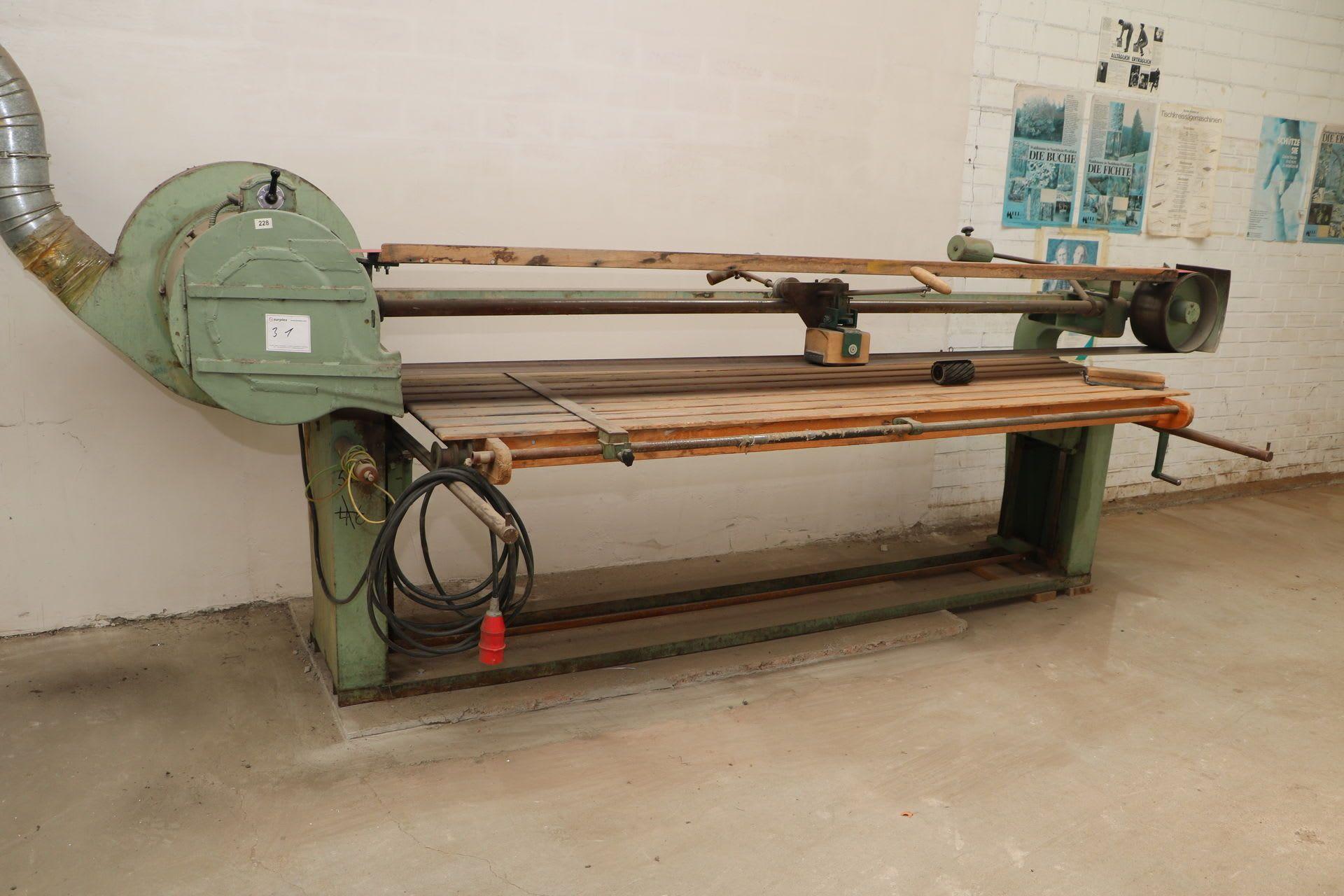 Lange Bandschleifmaschine