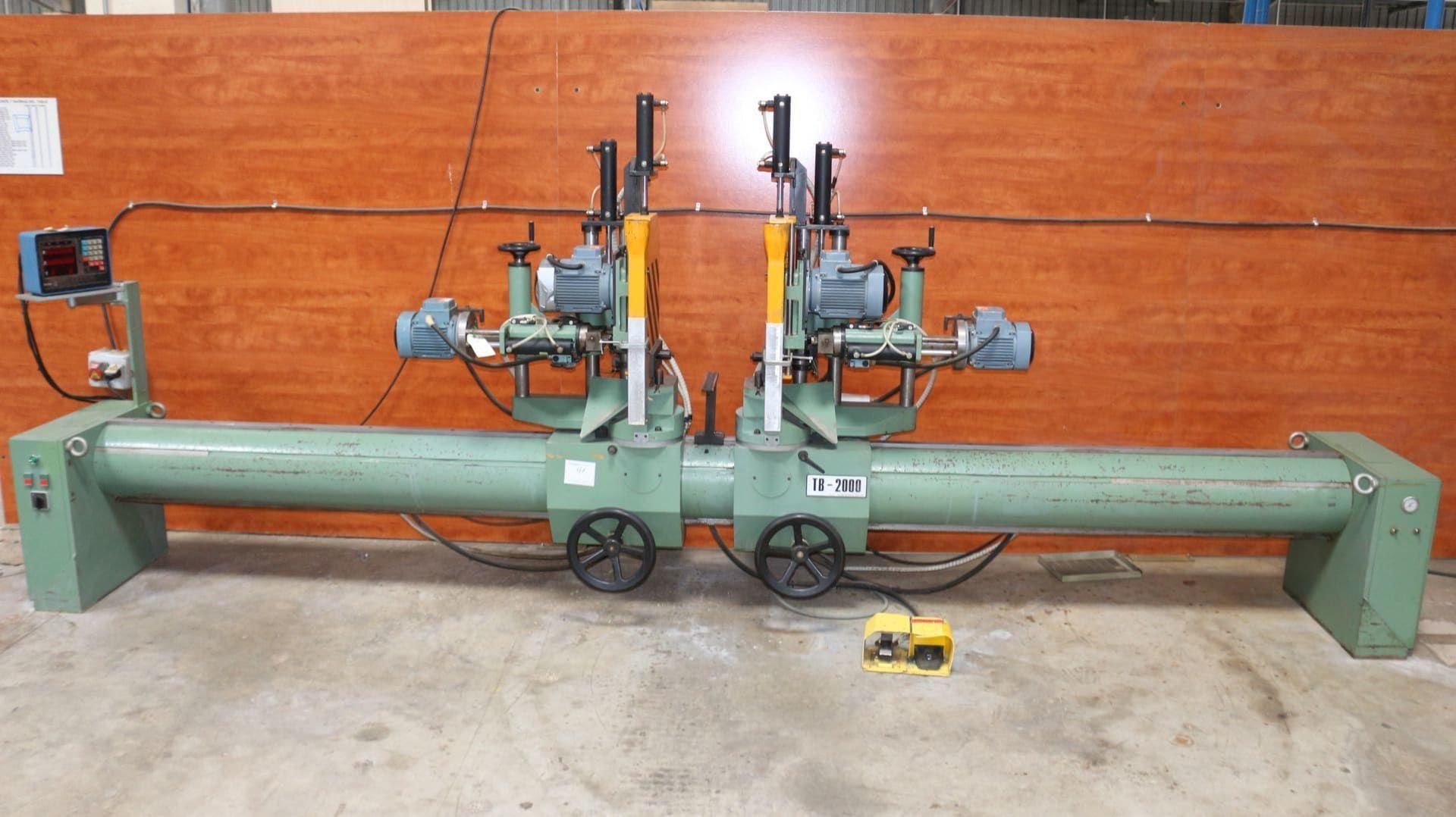 BERLE TB 2000 Doppelkopf-Gehrungssäge mit Bohreinheiten