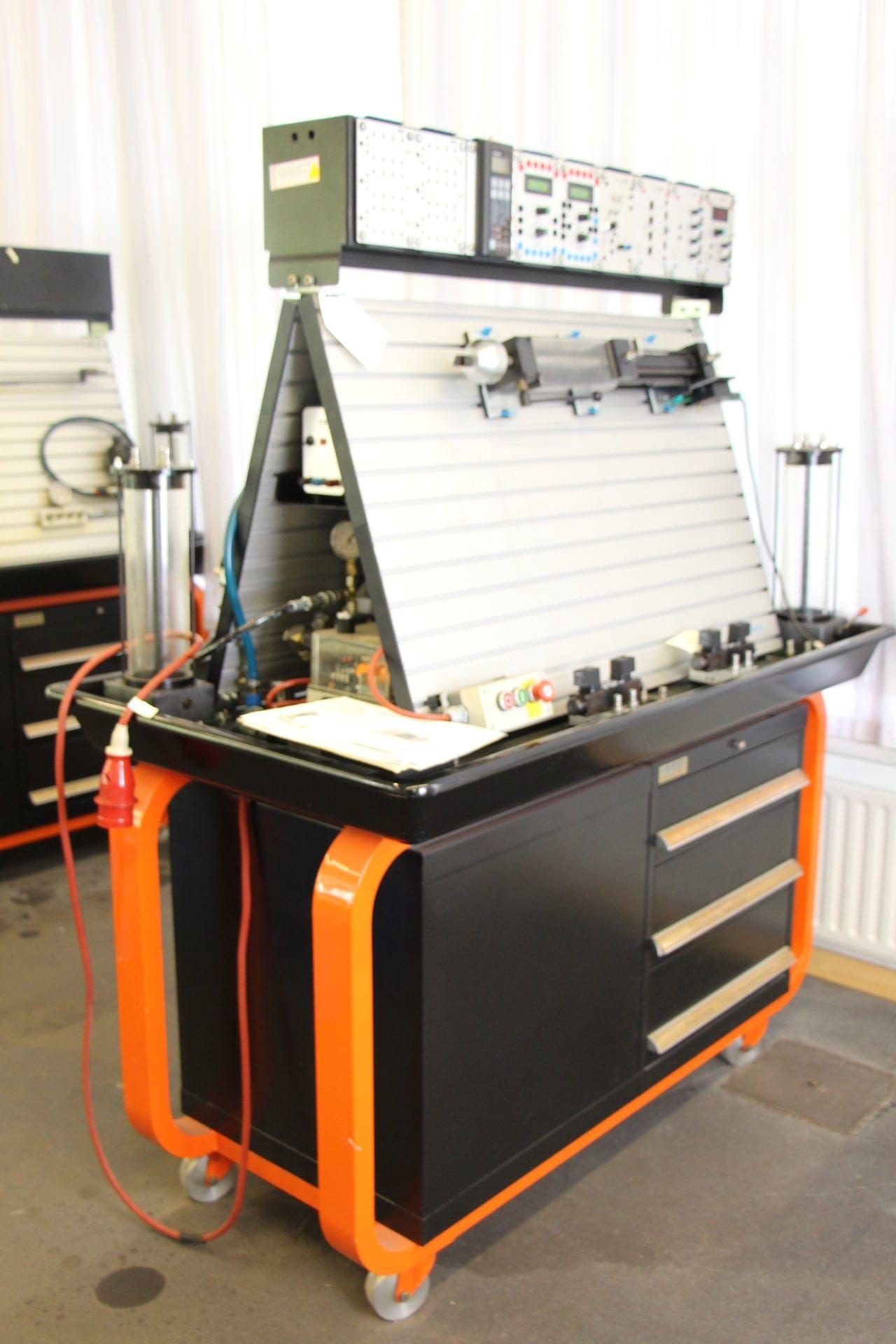 Hydraulik-Trainingsanlage