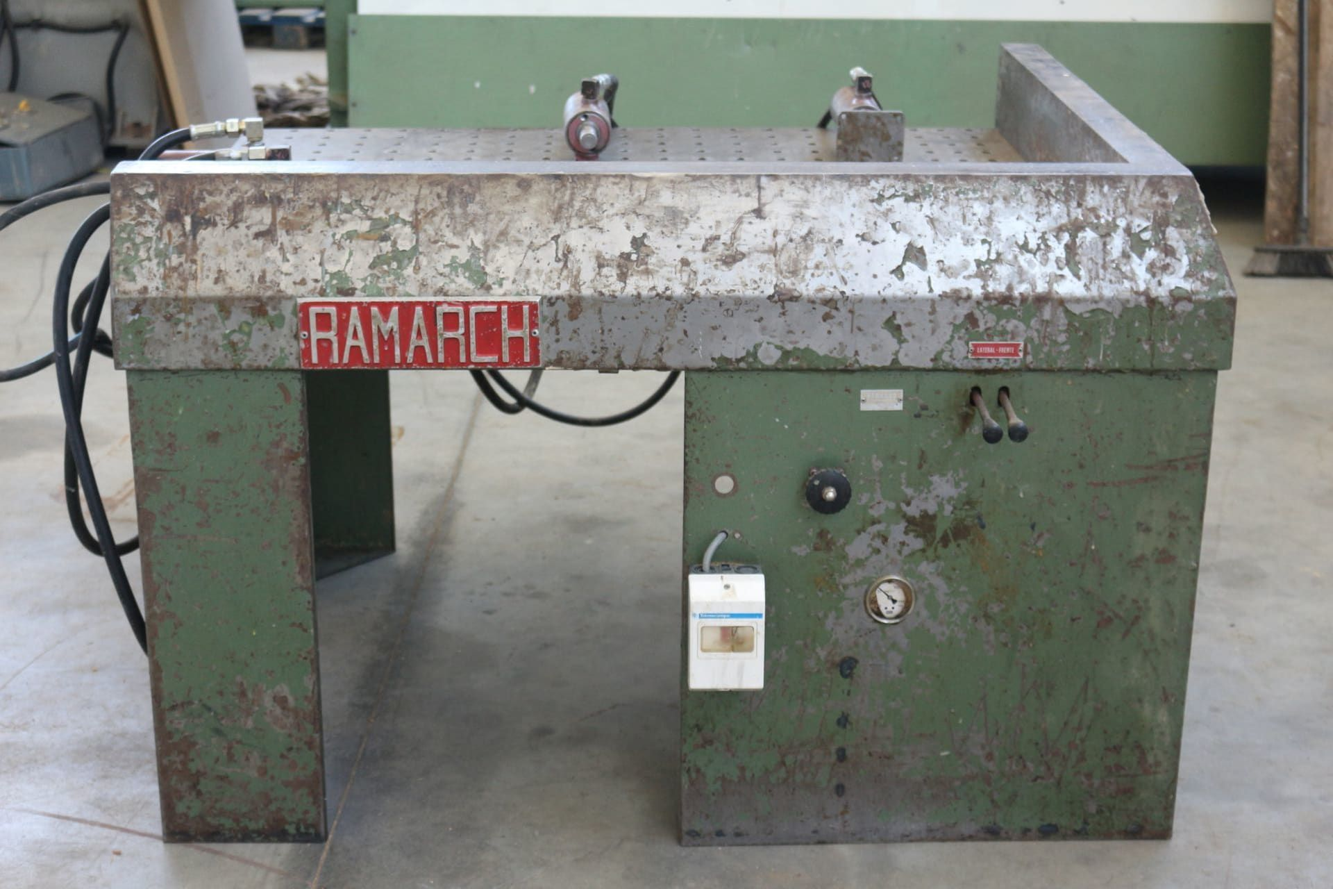 RAMARCH PH 4 Lochplatten-Hydraulikpresse