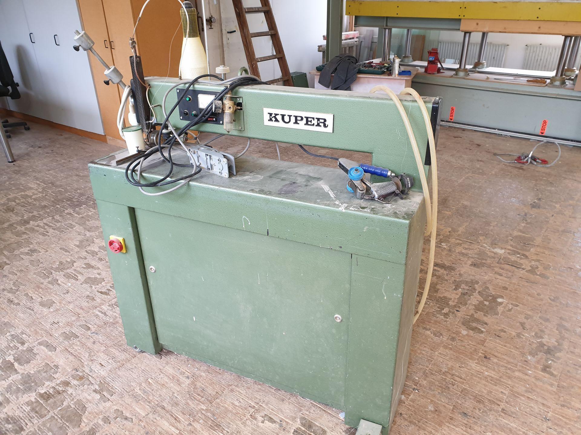 KUPER 32 Furniernähmaschine