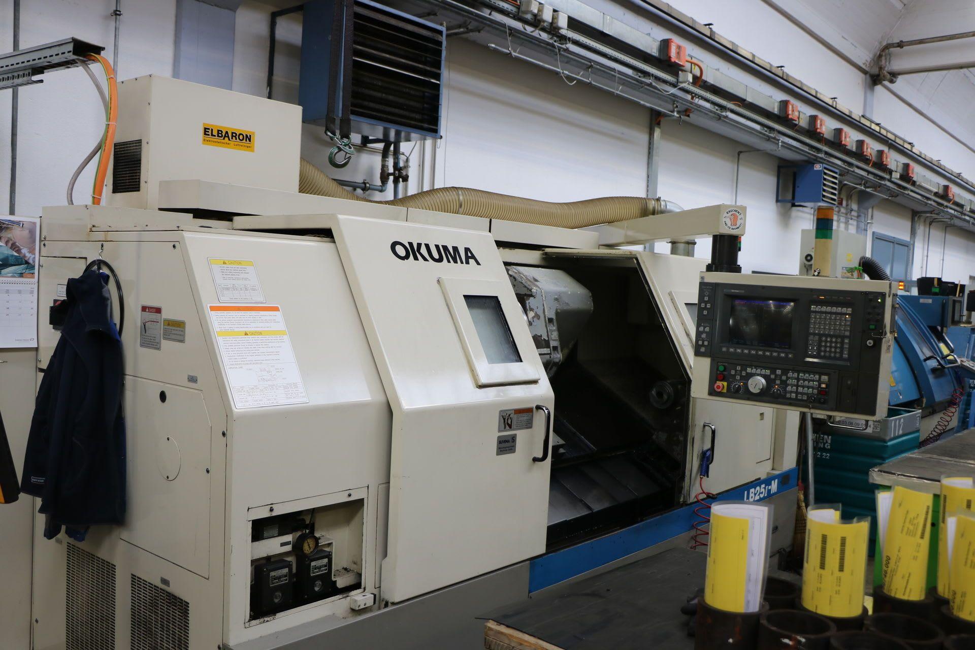 OKUMA LB 25 II CNC-Drehmaschine