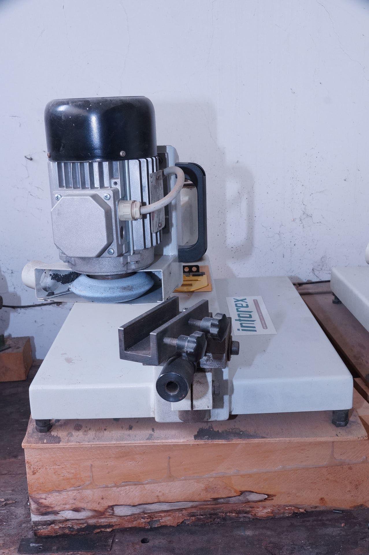 INTOREX Schärfmaschine
