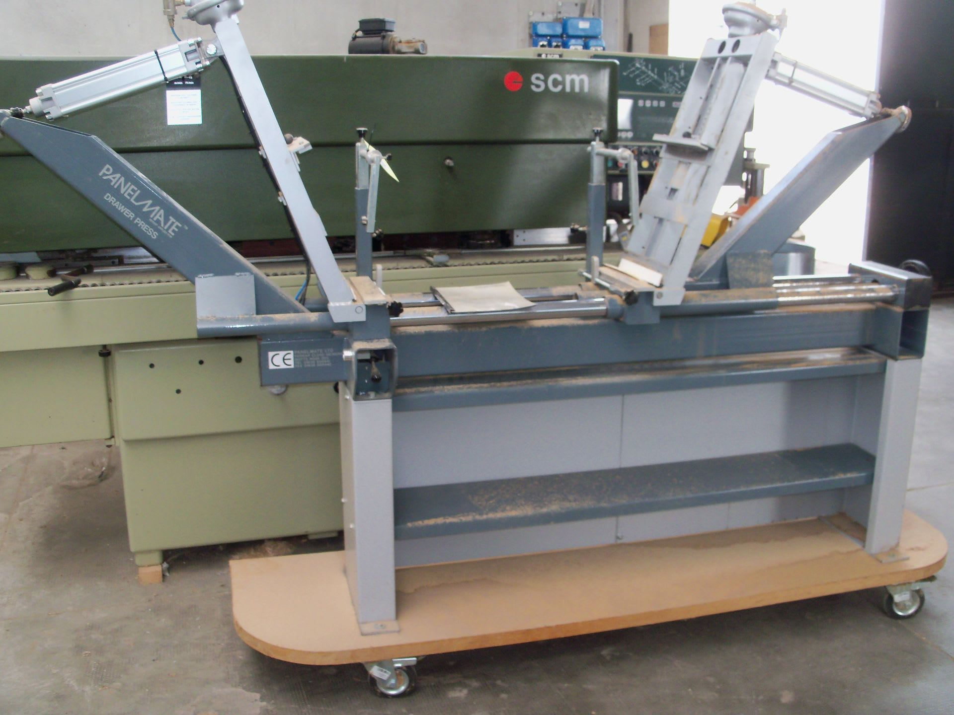 PANELMATE Rahmenpresse für Schubladen