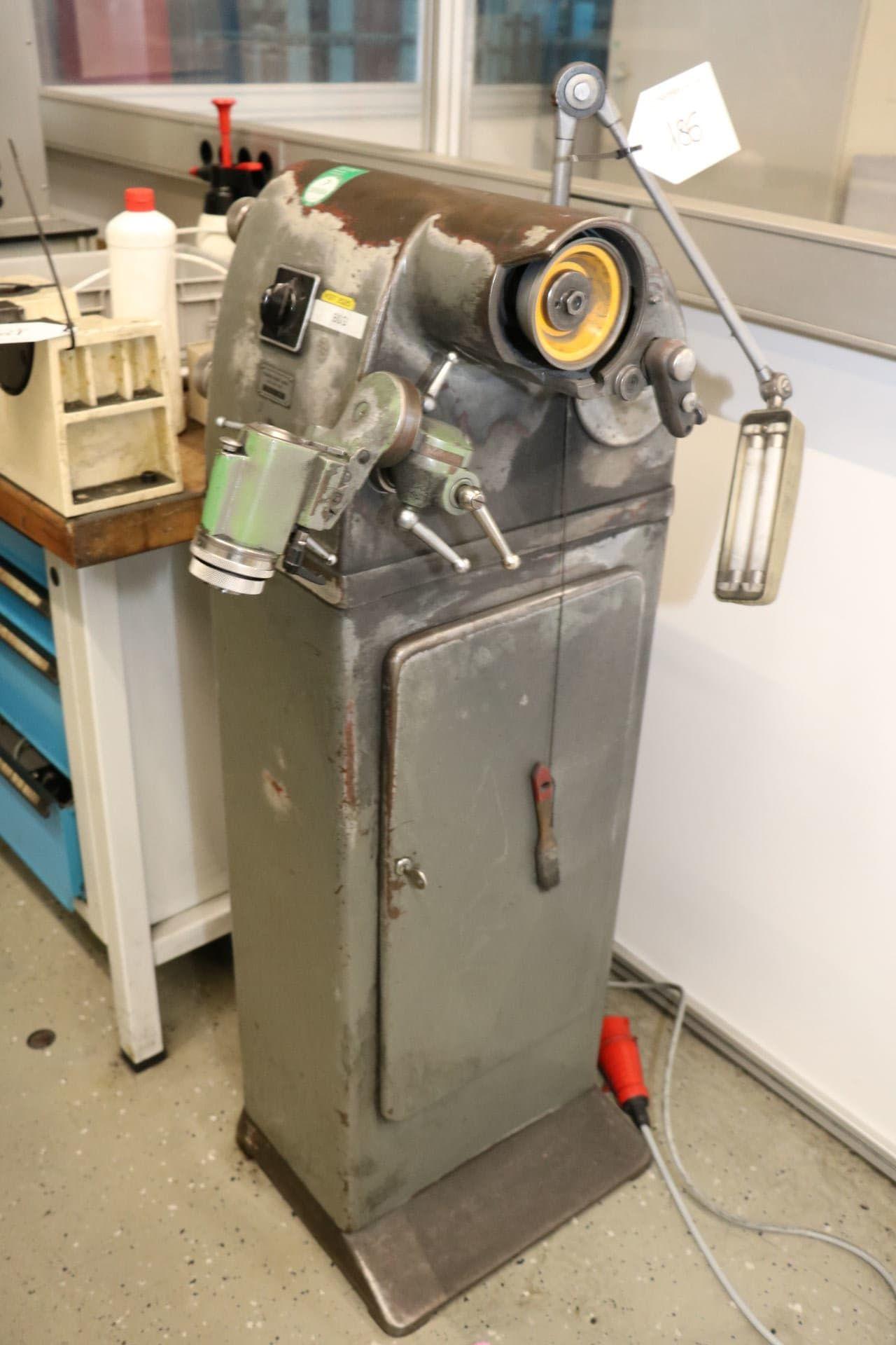 S 0 E Werkzeugschleifmaschine