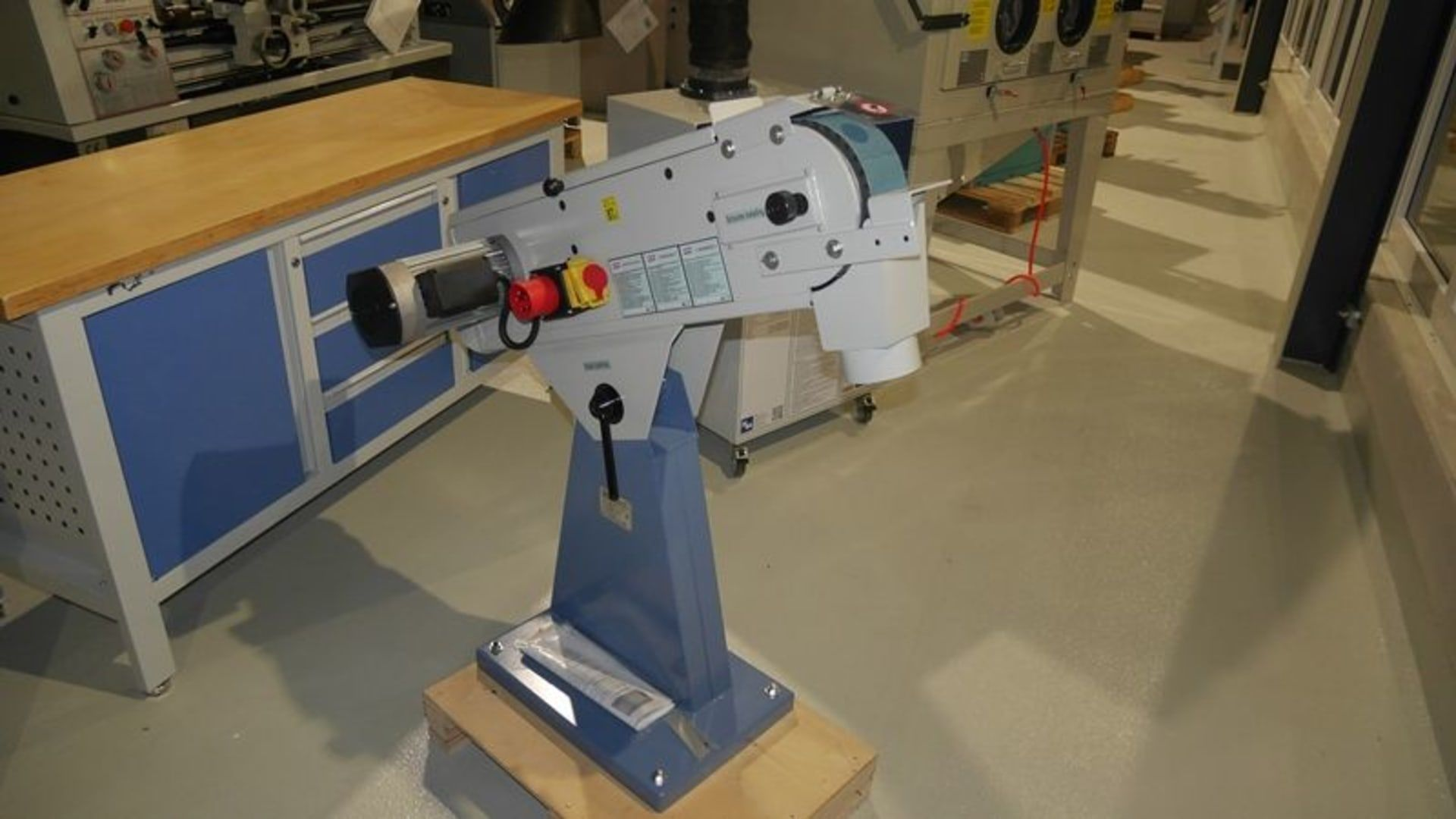 HBM 75/2000 HBM 75/2000 Bandschleifmaschine