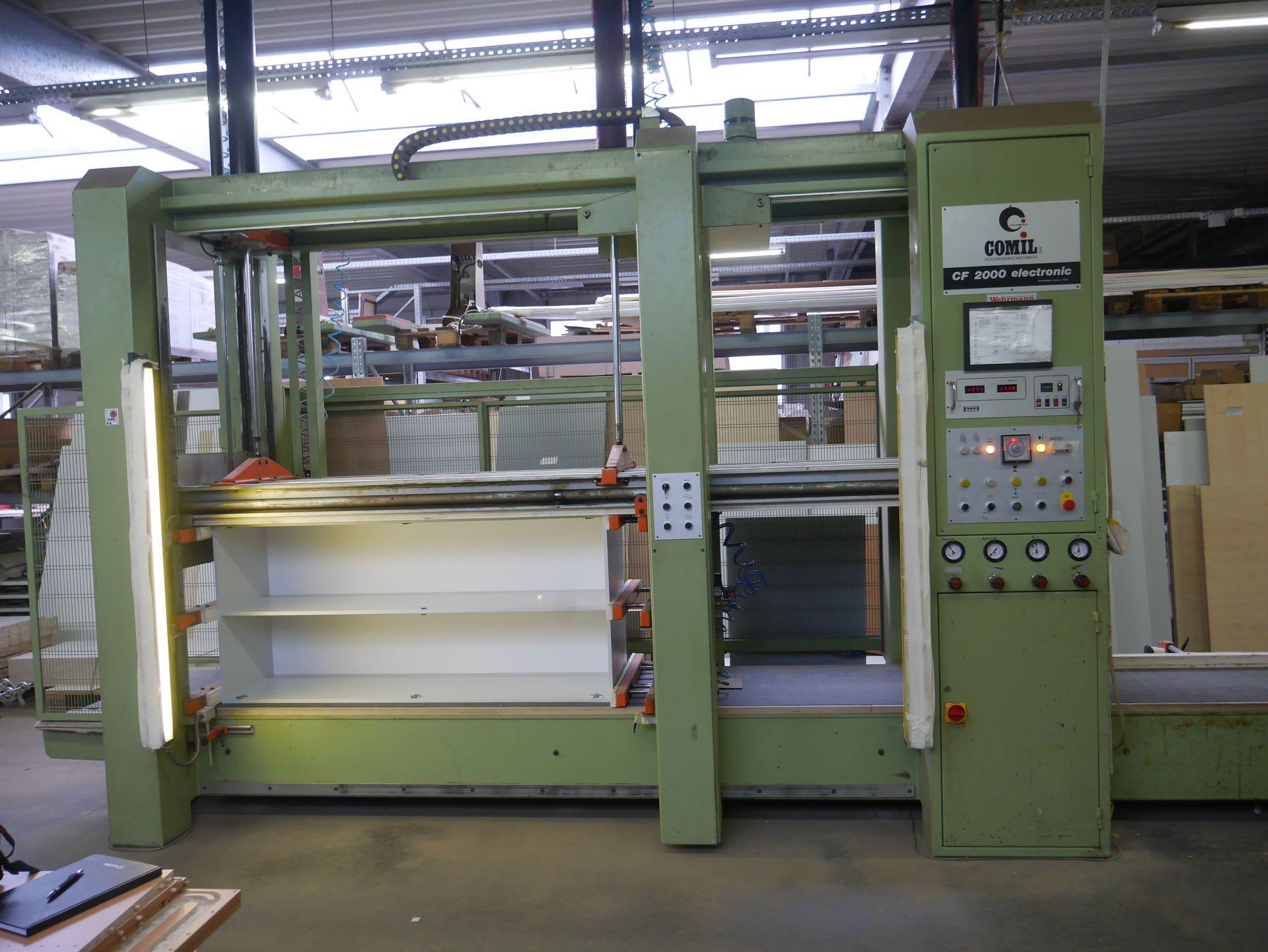 COMIL CF 2000 Electronic Korpuspresse