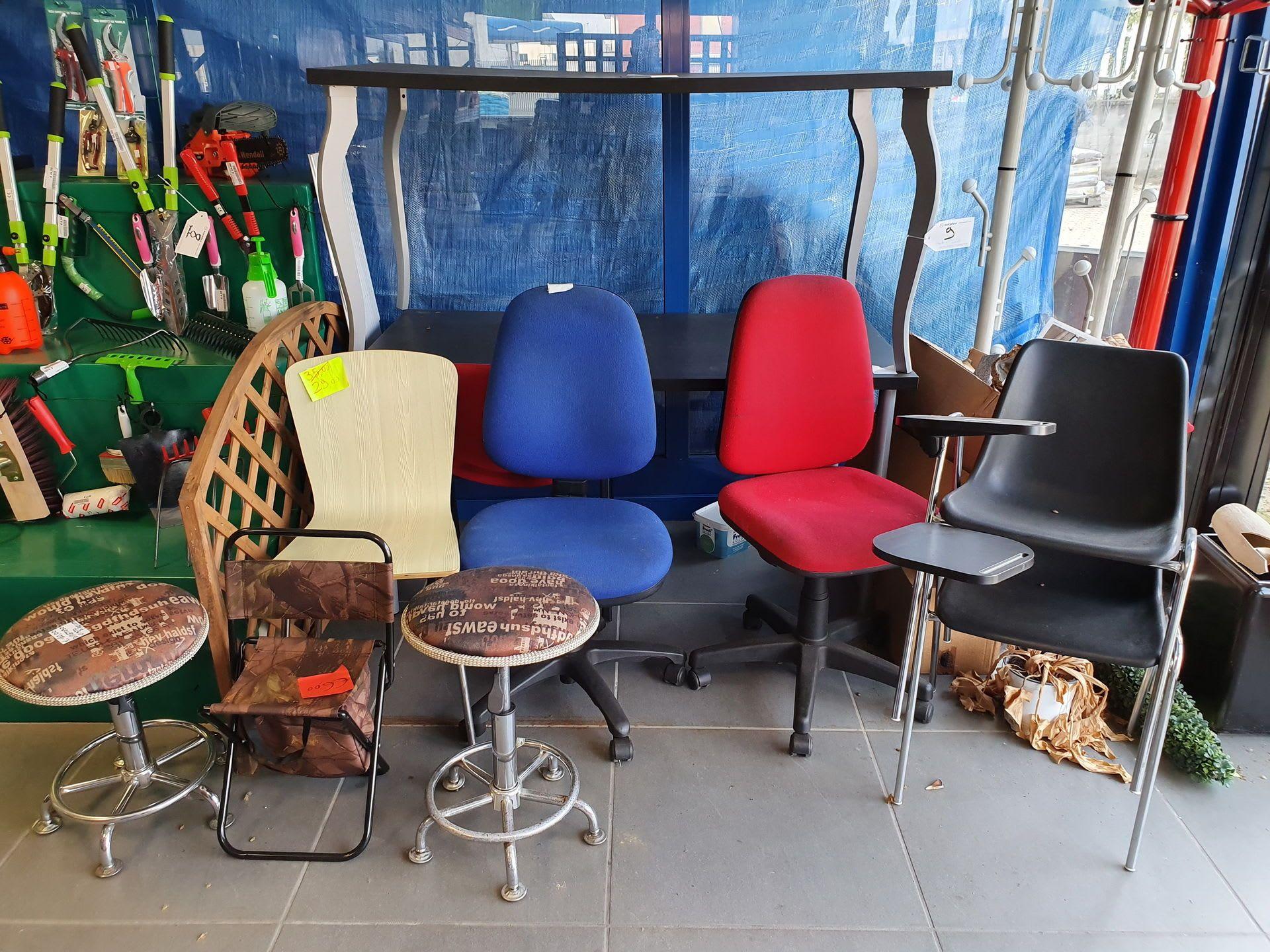 Posten Tische und Stühle