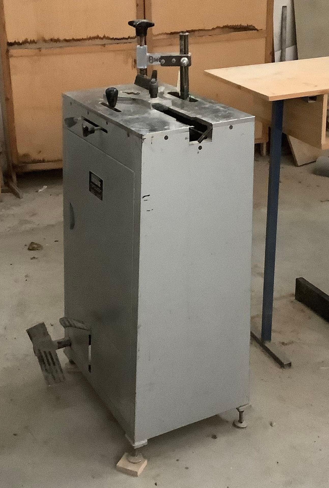 MOLGRA Montagemaschine für Rahmen