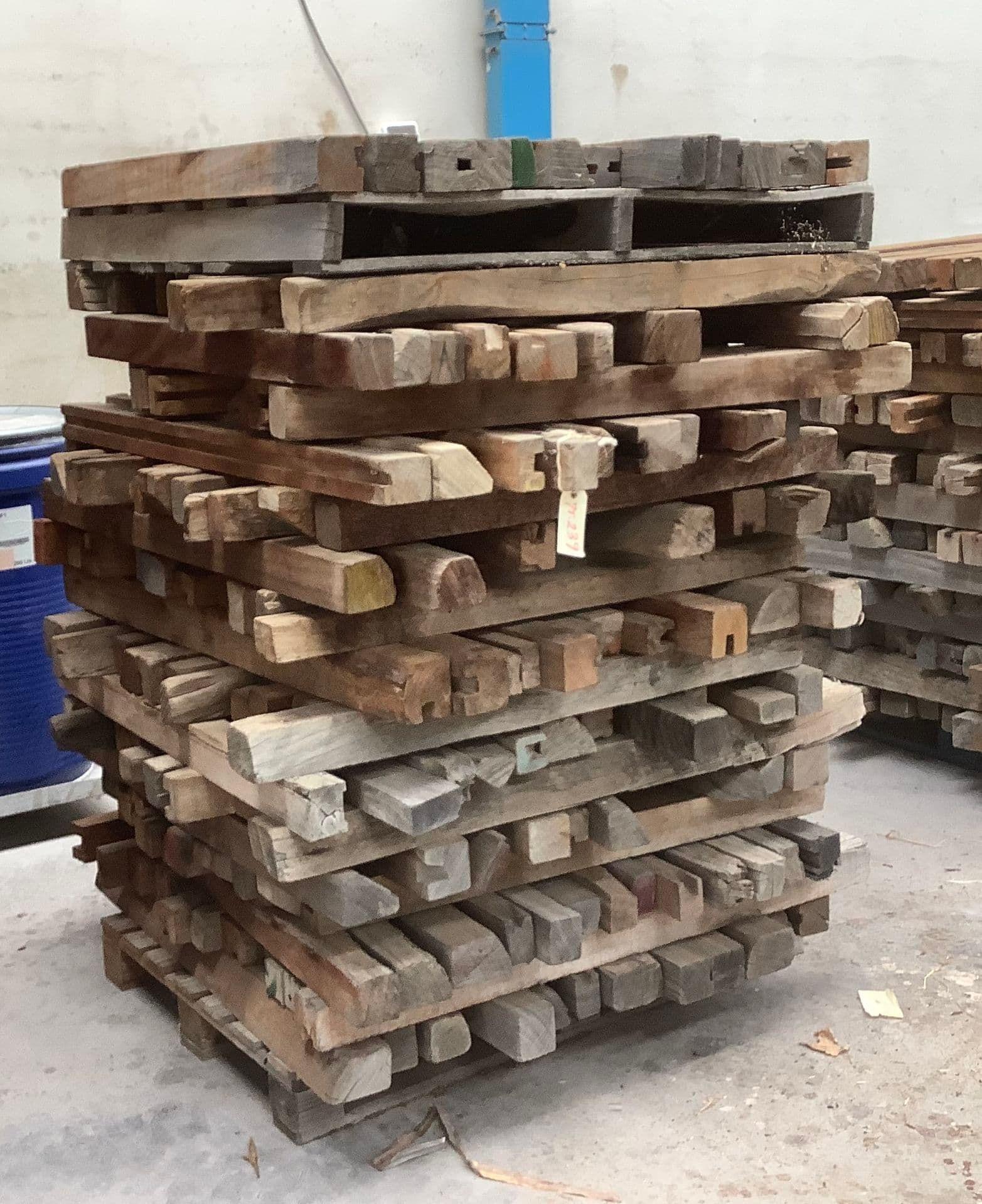 Posten Holzstützen zum Heben von Lasten