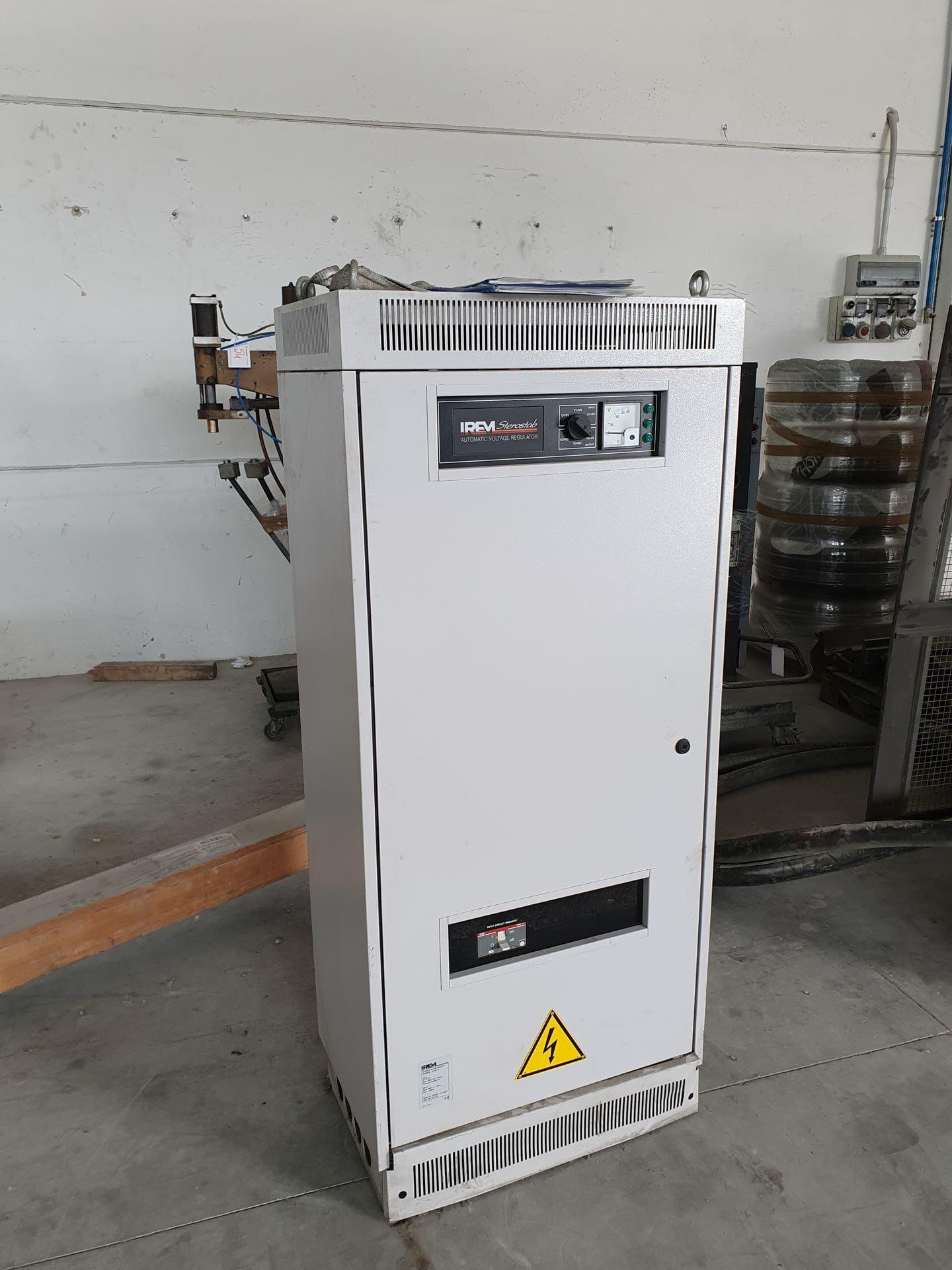 IREM BT100-IS Plattenumformung