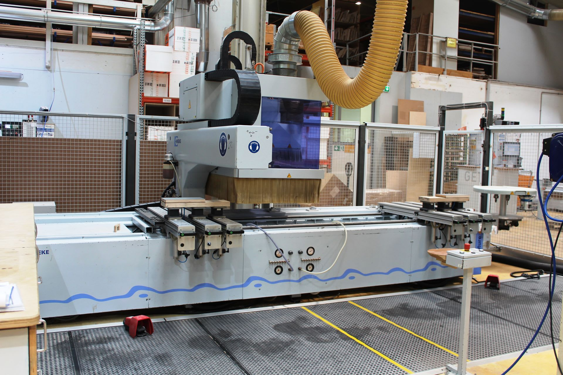 WEEKE Optimat BHC VENTURE 4 M CNC-Bearbeitungszentrum