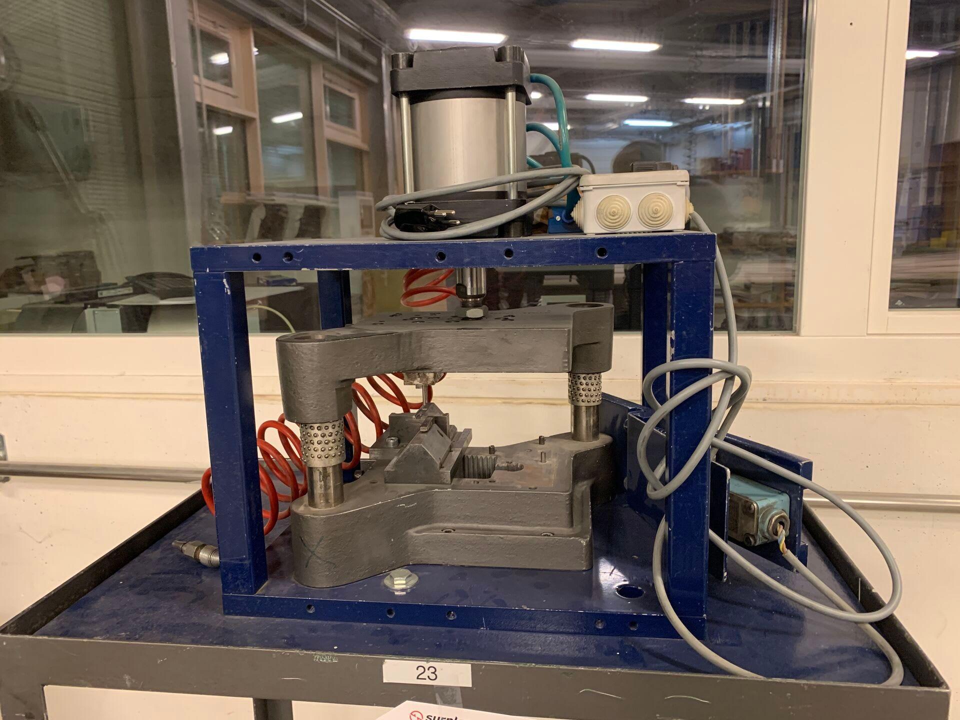 Pneumatisches Presswerkzeug