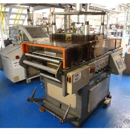 432mm x 330mm GN model 1713 thermoforming machine. Max draw 100mm. Roll fed. Max sheet width 533mm. 600mm max roll diameter. 30 cycles max 1995