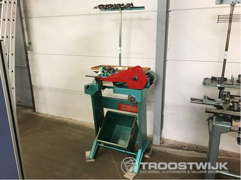 Flache Strickmaschine
