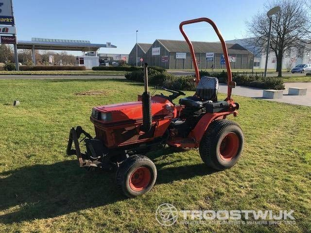 1 Traktor Kubota B1750 HST