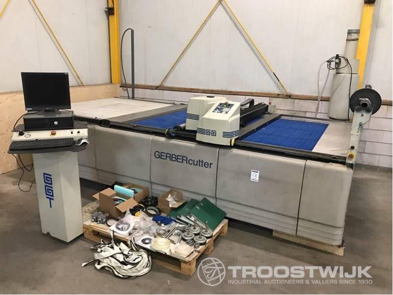 CNC-Kunststoff & amp; Textilschneidemaschine