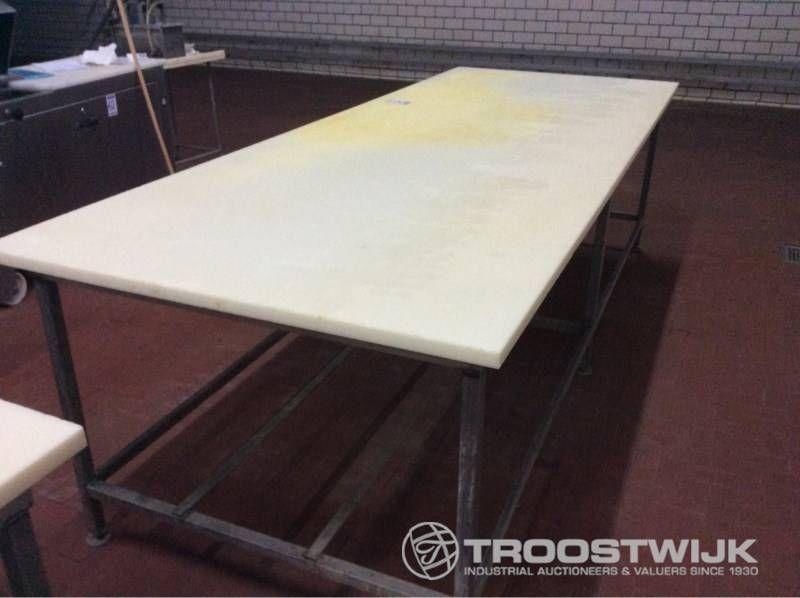 Arbeitstisch mit Teflonablage