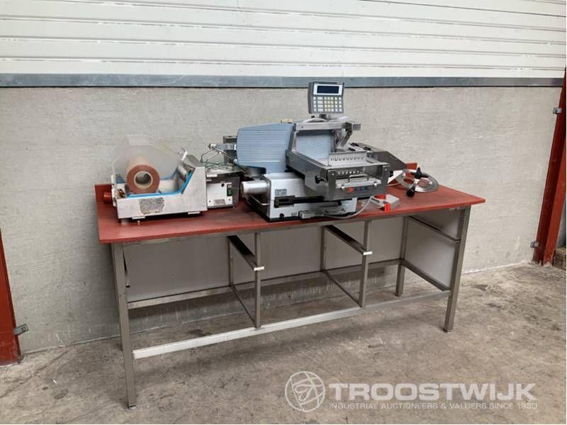 vollautomatische schneidemaschine mit scheibenwerfer