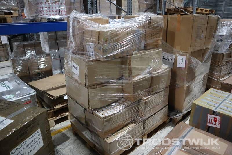 Großposten Intel Core i3 и i5 Prozessoren und Industriebauteile