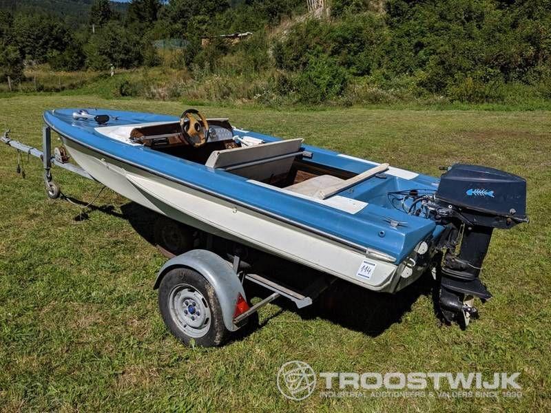 Freizeitmotorboot
