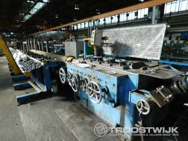 Pierce-Walzenrichtmaschine