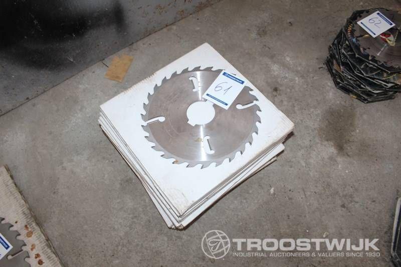 Kreismesser zum Schneiden von Holz