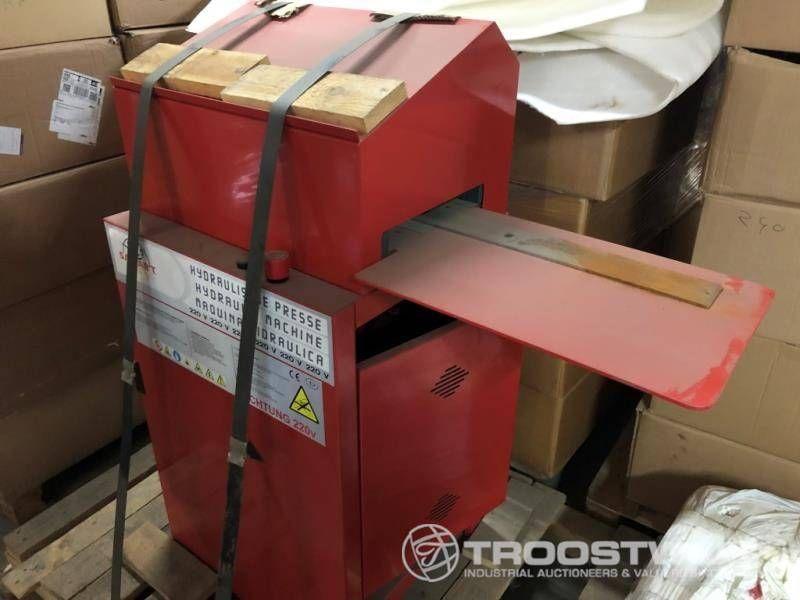 Hydraulische Kennzeichenprägemaschine