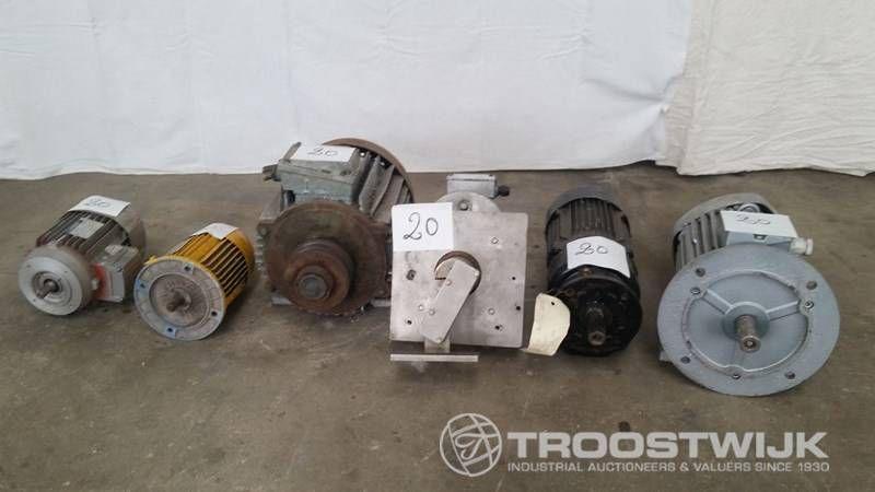 Lot von 6 Motoren