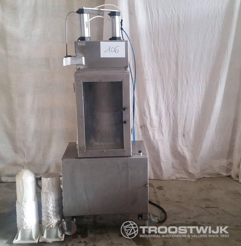 Halbautomatische Prägemaschine