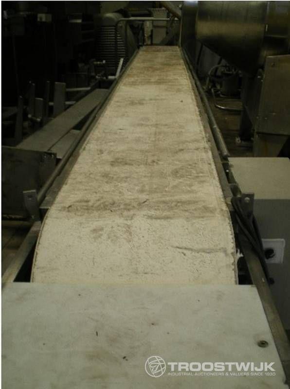 Langer Teppich