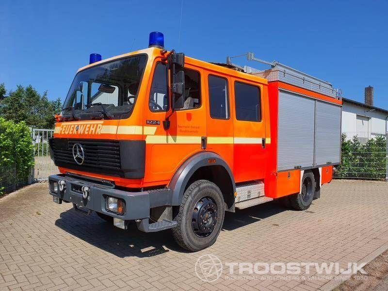 Allrad-Feuerwehrauto