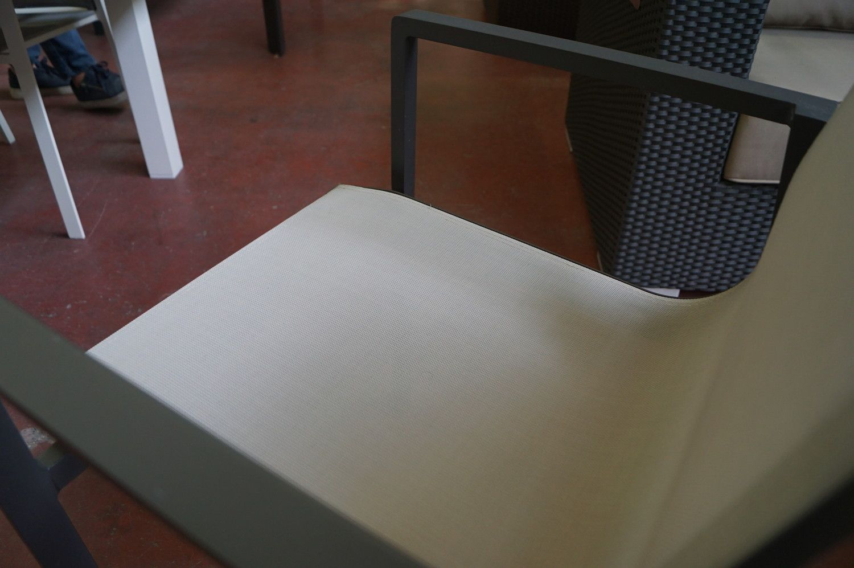 2 Alu Holzkohle Stapelstühle + Textilene hellgrau