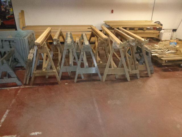 15 verschiedene Holzböcke