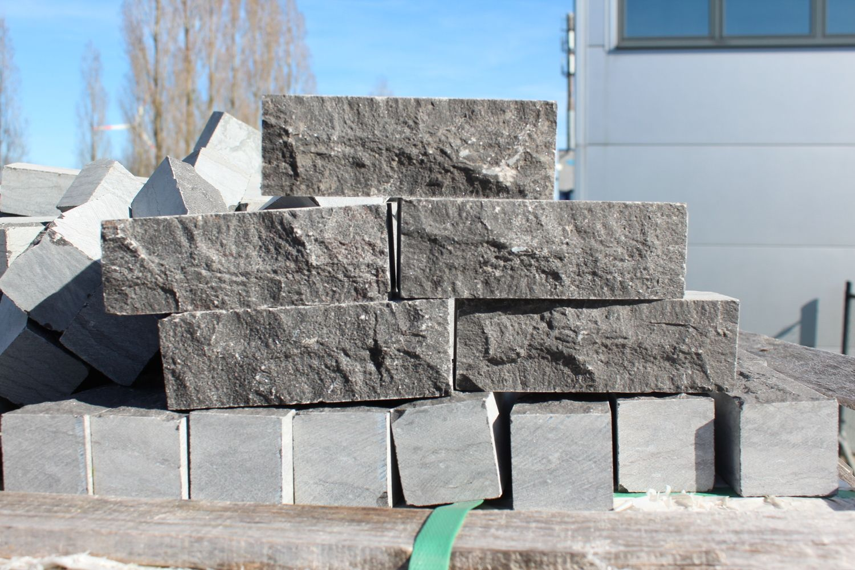 19,44 m² Natursteinklinker Blaustein 15x5x5cm